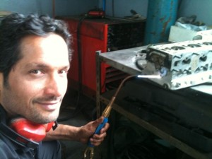 Mehdi Chehelnabi a qualified engineer with 26yrs of experience